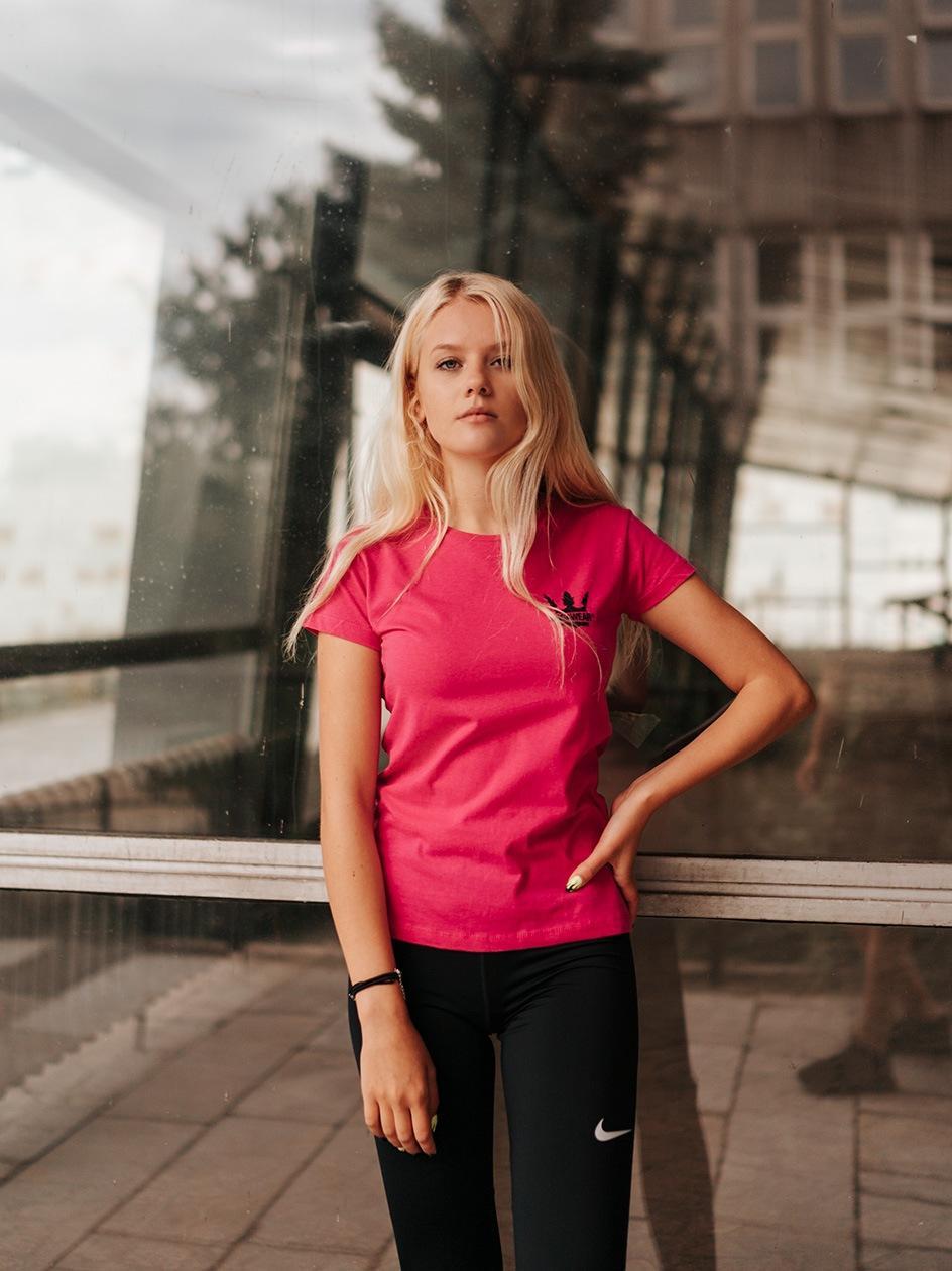 Damska Koszulka Z Krótkim Rękawem Jigga Classic Logo Ciemna Różowa / Czarna