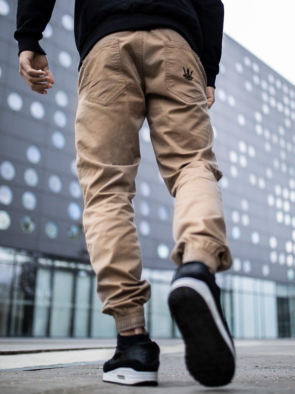 Spodnie Materiałowe Jogger Ze Ściągaczem Jigga Crown Jasne Brązowe