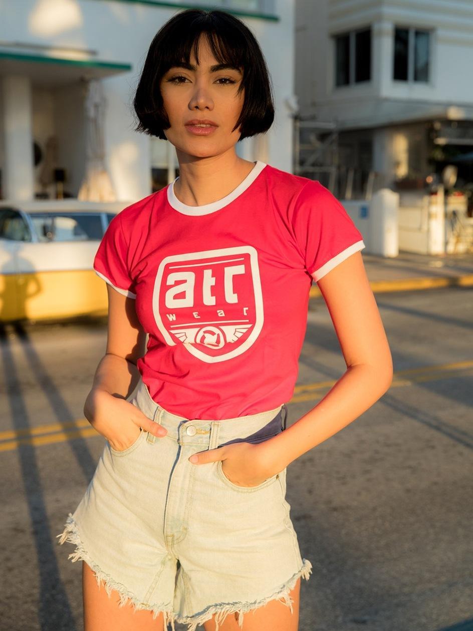 Damska Koszulka Z Krótkim Rękawem Slim Fit ATR Wear Retro ATR Shield Czerwona