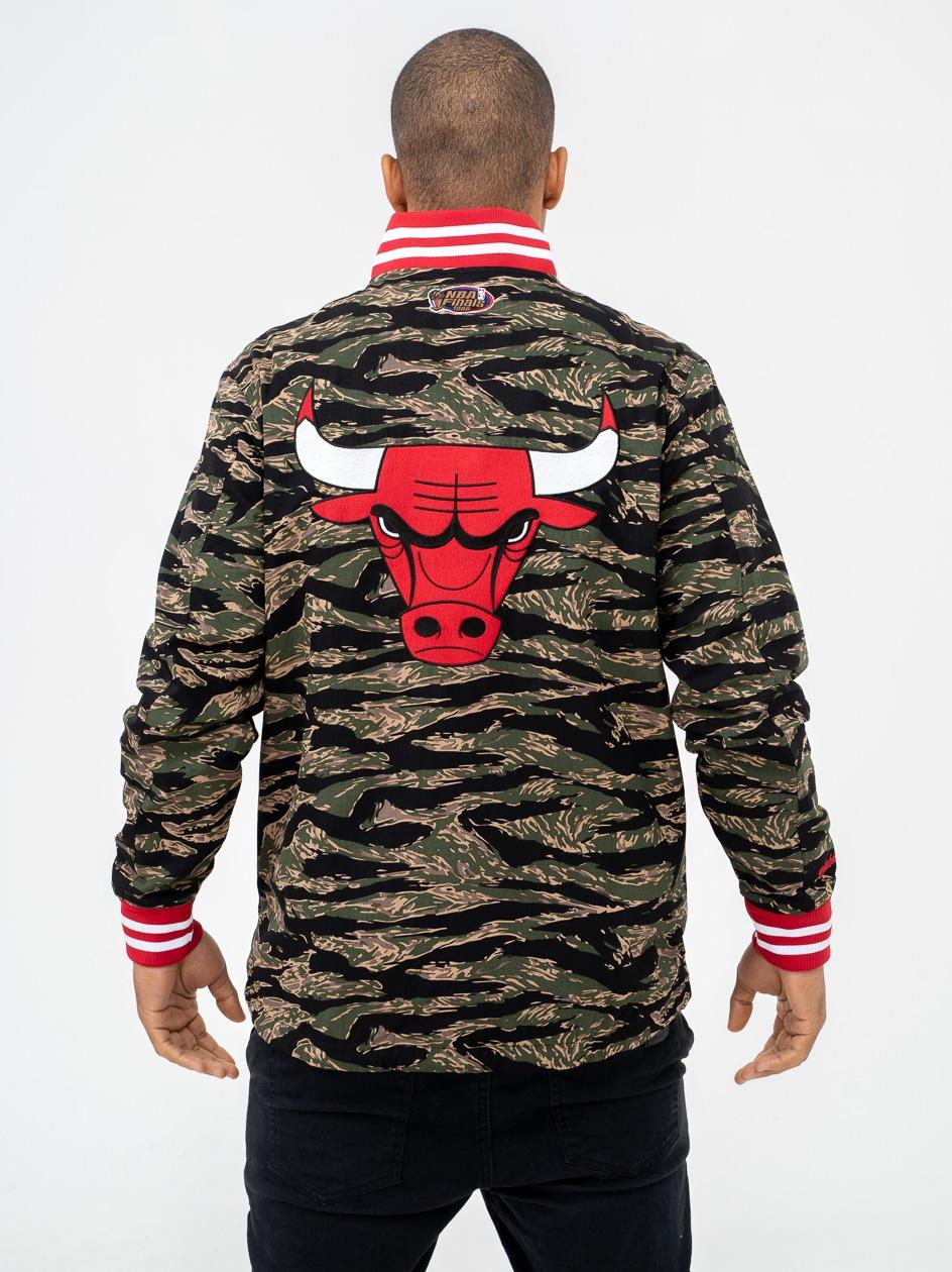 Kurtka Baseballowa Mitchell & Ness NBA Chicago Bulls Tiger Camo
